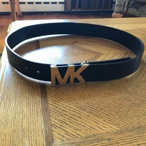 "Michael Kors Belt Size M 39 3/4"" long"